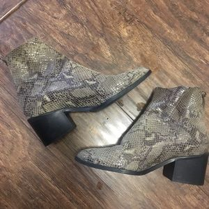 Shoes - Snakeskin Leather Boots